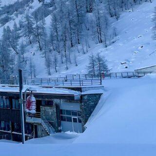 Les matinées à Grand Montets sont magnifiques 🤩❄️💕 #chamonix #grandmontets #snow #wow