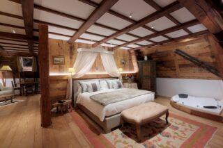 Notre Suite Ancienne Tour est un bijou #relax #rêve #envoûtant #chamonix #grandhoteldesalpeschamonix